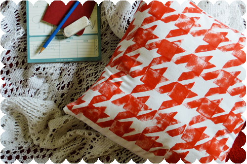 Houndstooth-Stamp-DIY-Throw-Pillow