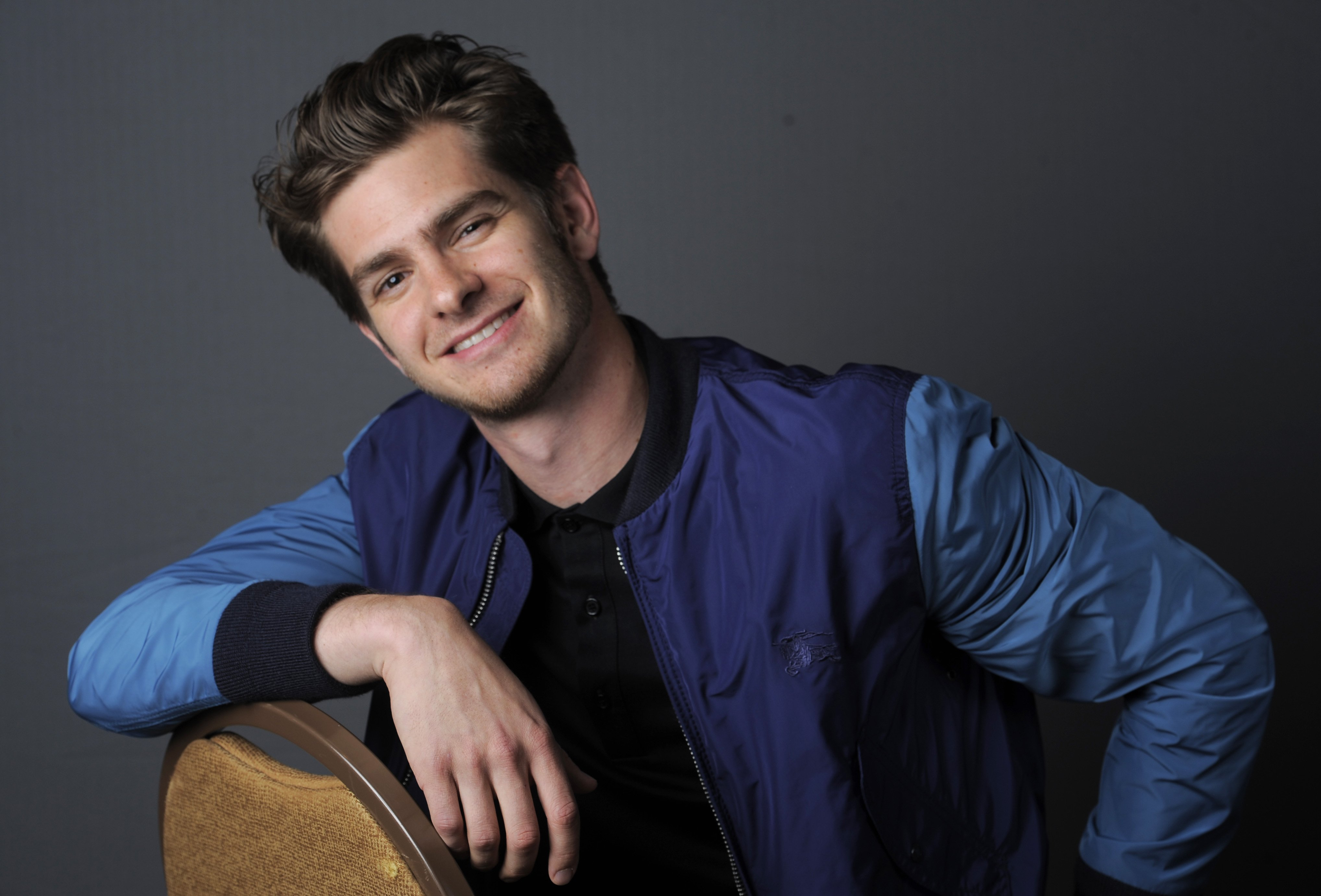 Andrew Garfield Cute Wallpaper Andrew Garfield Height Weight Age And Body Measurements