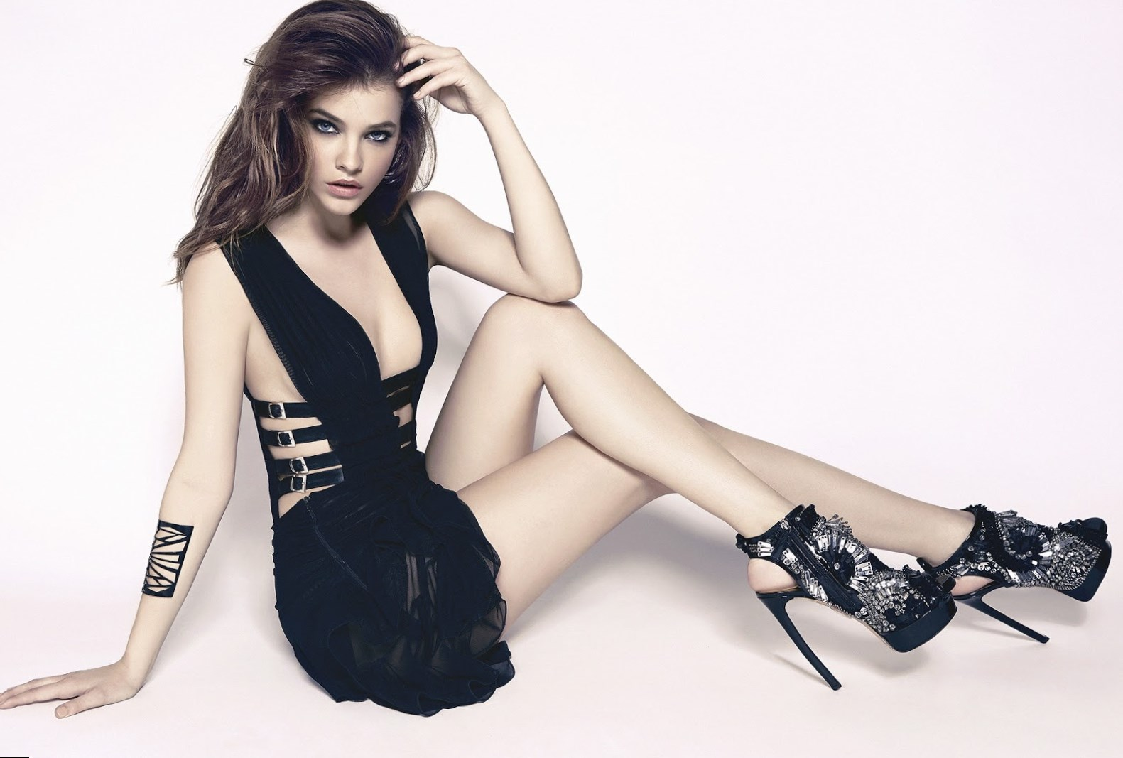Beautiful Girl Face Hd Desktop Wallpaper Barbara Palvin Height Weight Age And Body Measurements