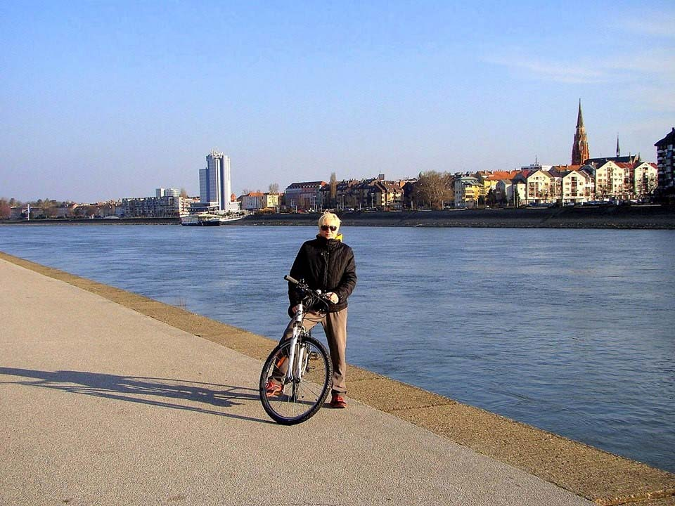 OSIJEK CITY CYCLING TOUR! Cycling the city of Osijek on a half day tour