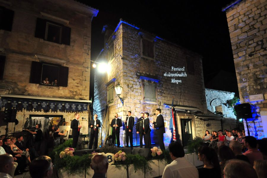 DALMATIAN KLAPA SINGING TOUR! Get into the spirit of UNESCO in Omis