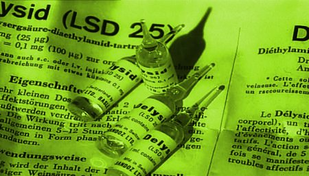 People who take tiny doses of LSD and other psychedelics every day say it's wonderful (boingboing.net)