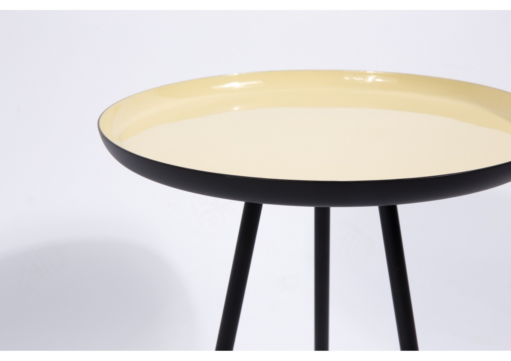 Table Basse Couleur 3 Tables Basses Enamel En 3 Couleurs Pastel Design