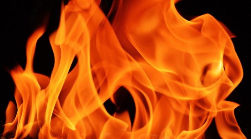 flame-1444588_1280