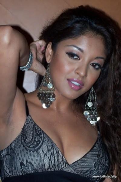 Tanushree Dutta | Bollywood Gallery