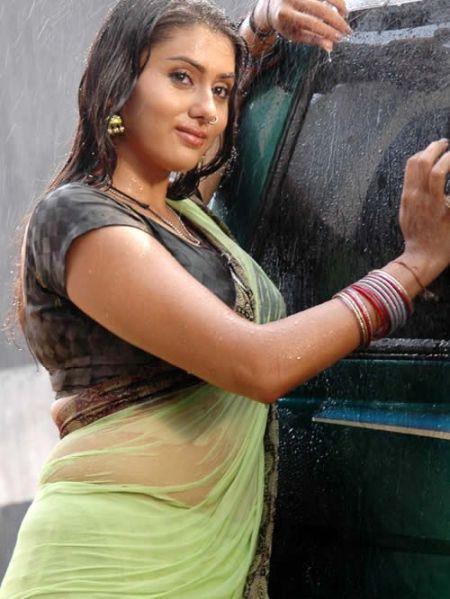 Saree Wali Girl Wallpaper South Indian Actress Wet Saree Hot Navel Photos