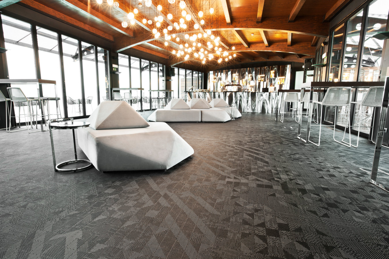 Tivoli Hotel In Lisbon Portugal Bolon Floors For Hotels Skybar Hotel Tivoli Oriente