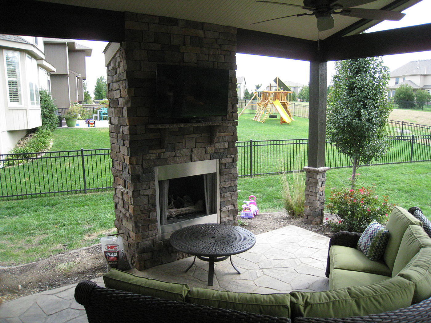 Outdoor Fireplaces In Kansas City Overland Park Olathe Lee39s Summit Leawood And Throughout