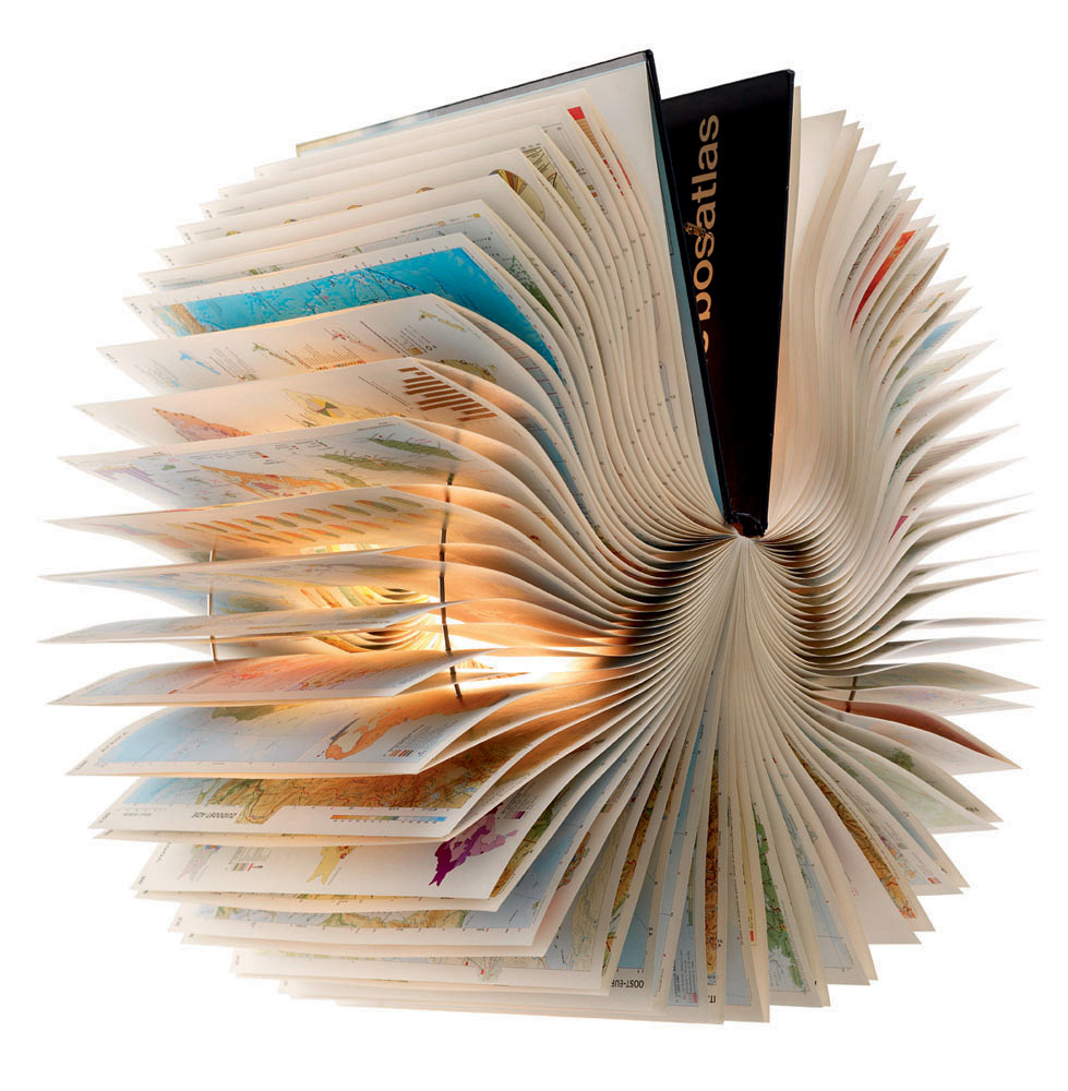 Coole Bücher Atlas Recycled Book Lamp