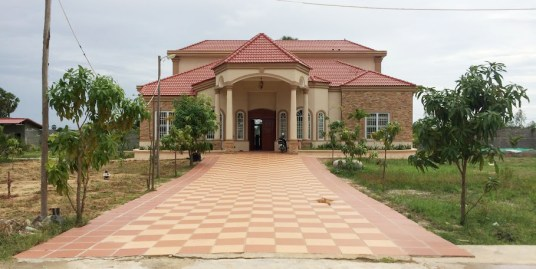 Villa for sale near Hun Sen Prey Torteung Primary School (Angk Snuol)