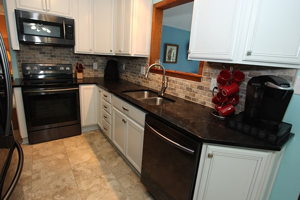 Amish Kitchen Cabinets Indianapolis Experienced Kitchen Remodeling Contractors In Indianapolis