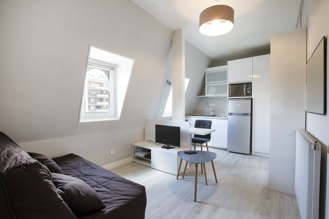 Meuble Paris Location Studio Meublé De 17 M2 Avenue Henri Martin à Paris
