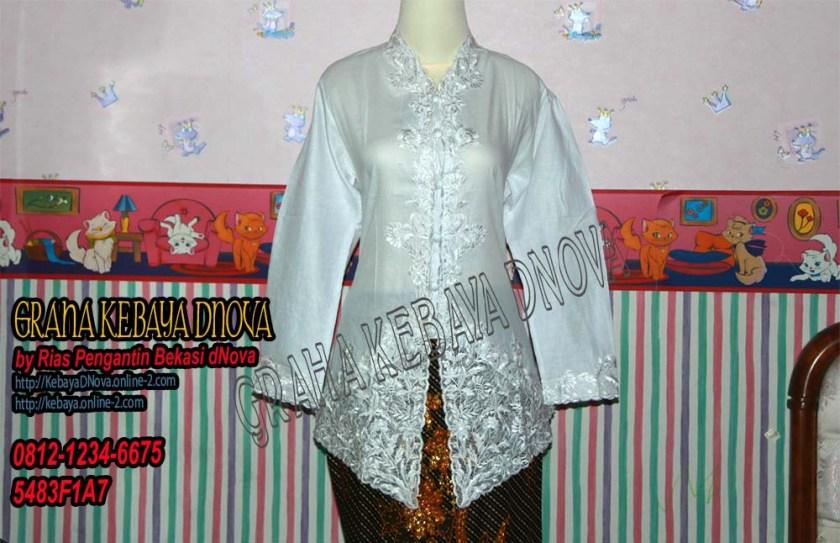 Produsen Kebaya Encim Putih Motive Bunga Senada by Kebaya DNOVA 081212346675