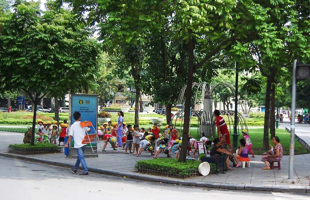 Sidewalk School in Hanoi