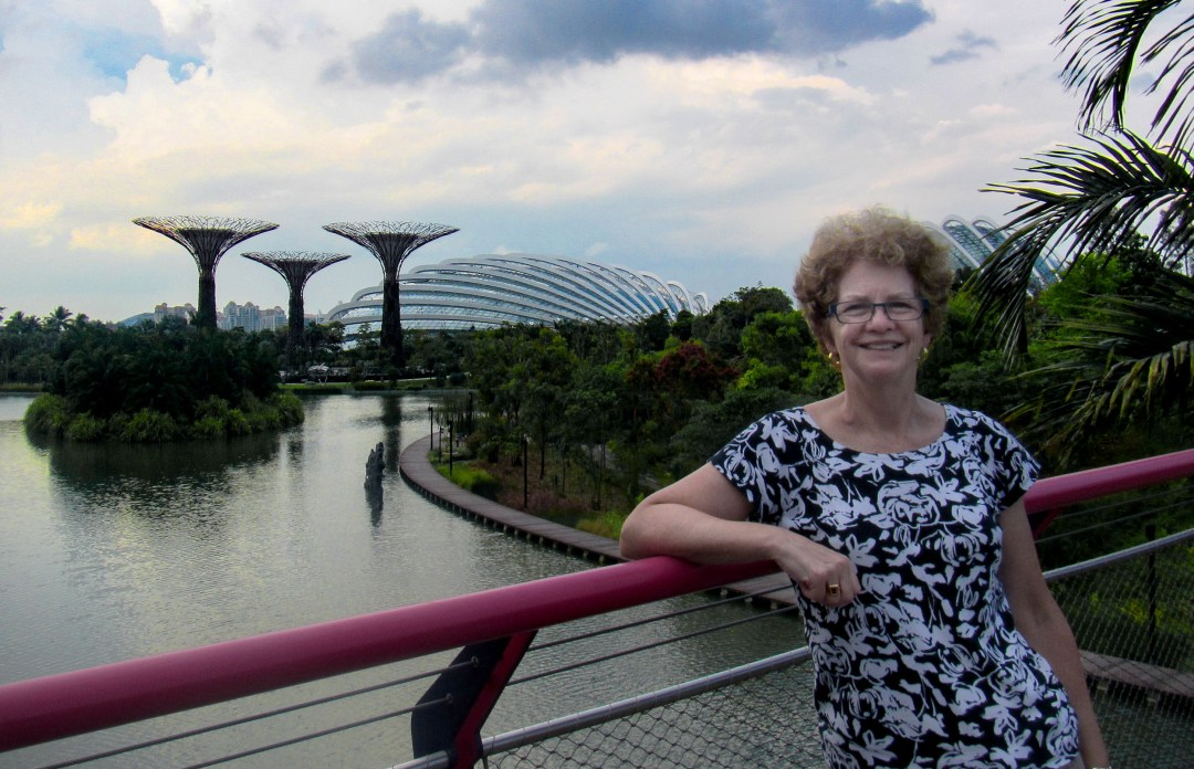 Selfie in Marina Bay for Benefits of solo travel on boomervoice