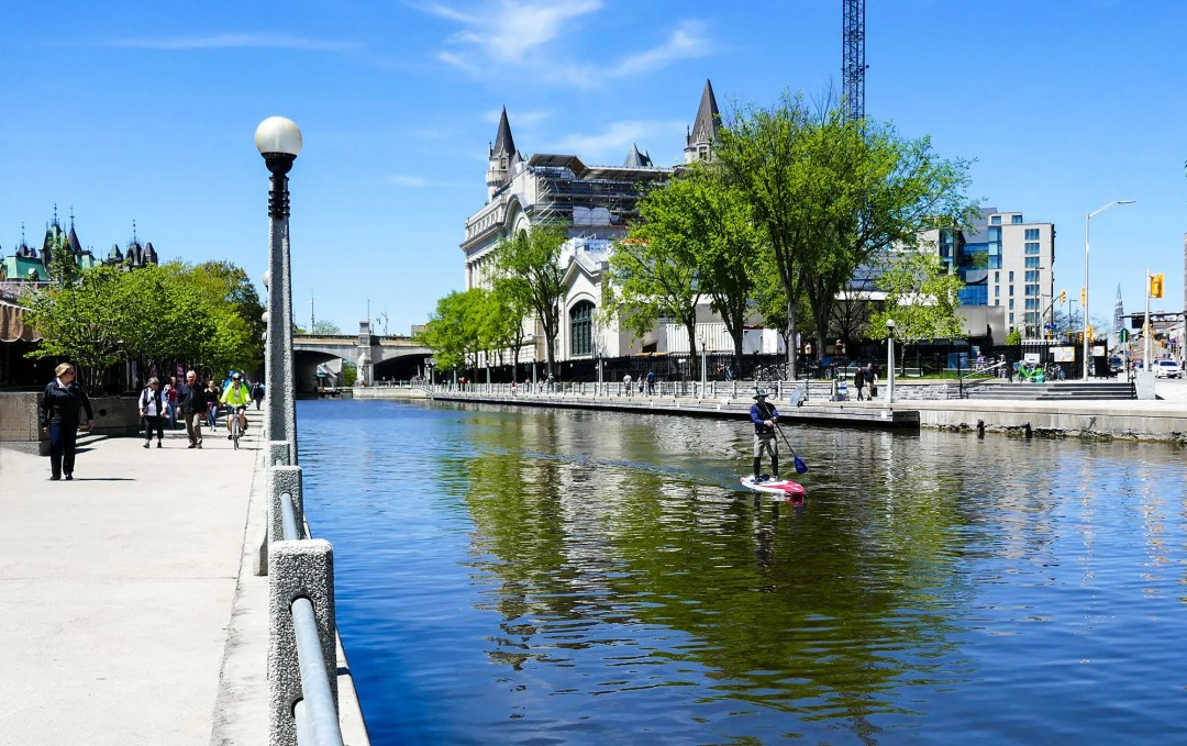 Standup boater on Rideau Canal for boomervoice