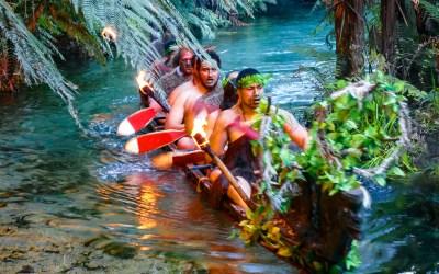 Māori canoe in Rotorua for boomervoice
