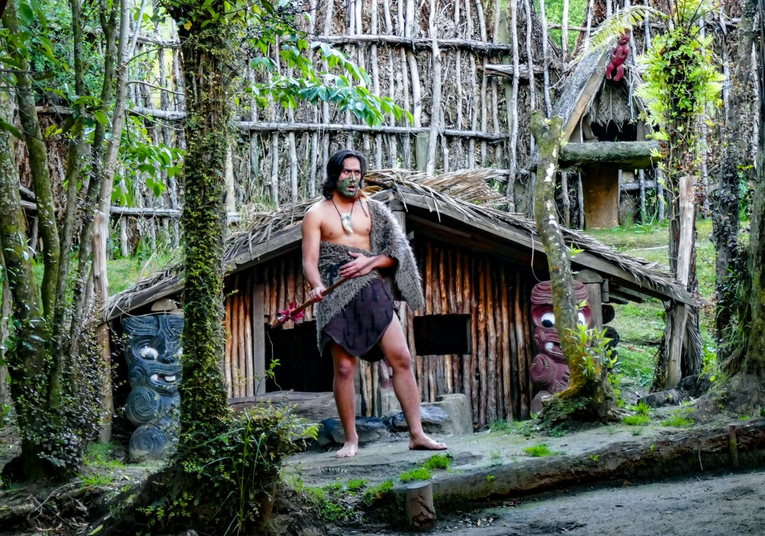 Māori in traditional house in Rotorua for boomervoice