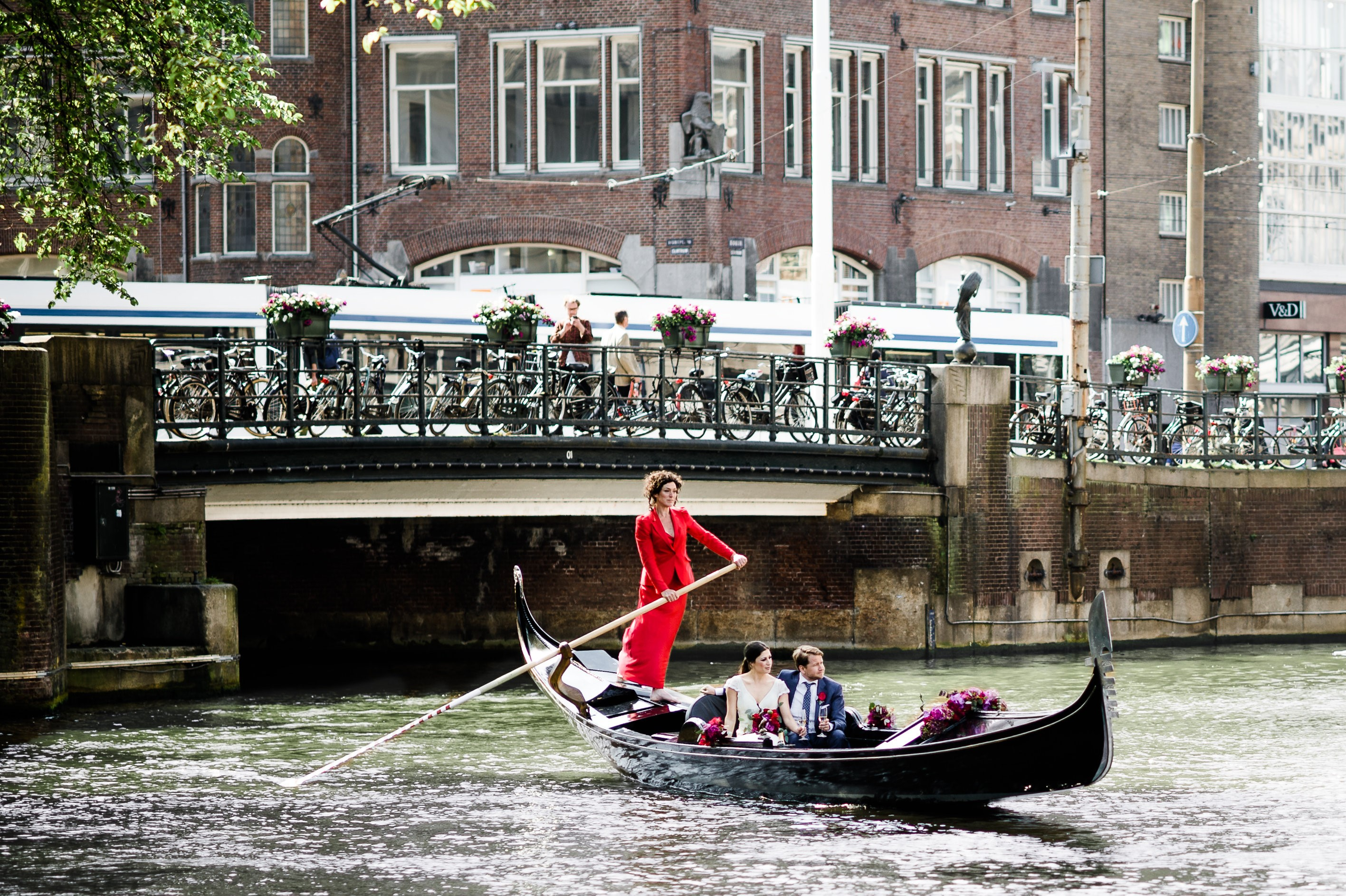Rent A Boat Amsterdam Rent 6 Persons Gondola Quotgondel Quot Via Rent A Boat Amsterdam