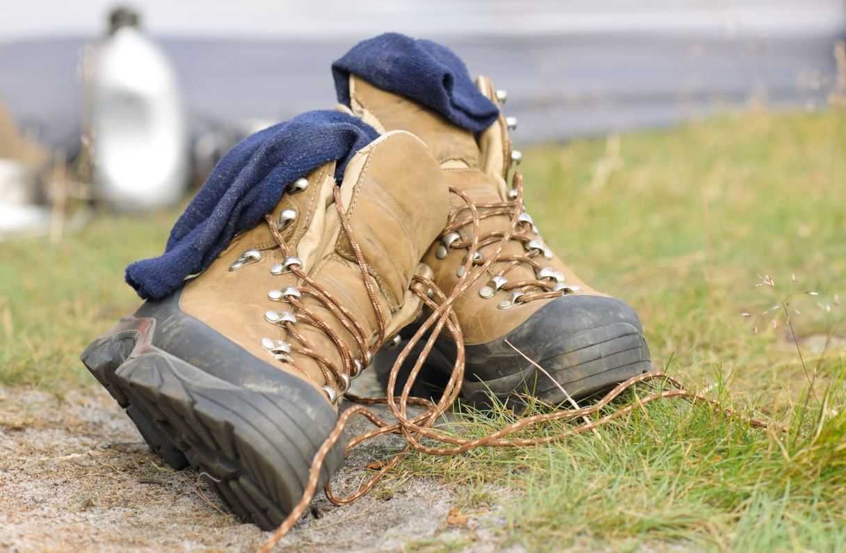 7 Quick Ways To Dry Wet Work Boots Fast Easy