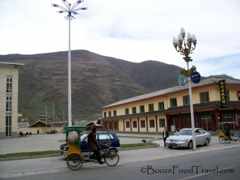 The bus station in Songpan