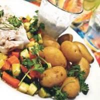 Stegt fisk med persillesquash, nye kartofler og yoghurtdressing