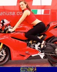 20161102_125902_ducati-1299-sexy-woman