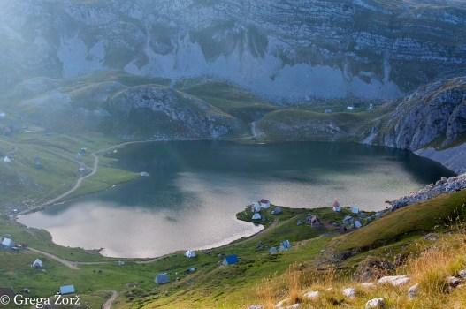 Kapetanovo jezero (1680 m). Foto: Grega Žorž