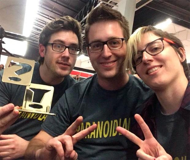 Bouman, ByMartínez y Ana con el premio a Mejor Fanzine por Paranoidland