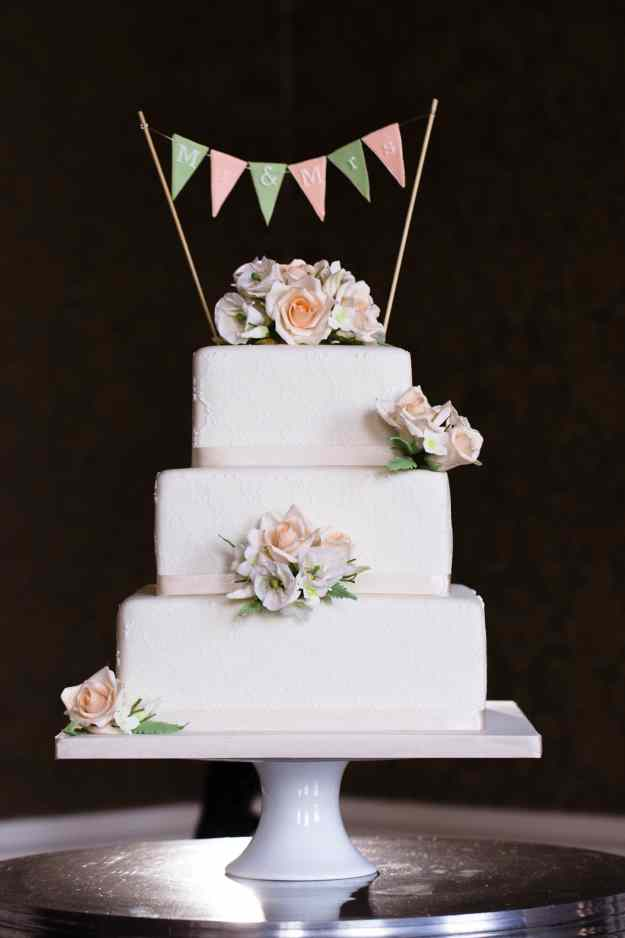 Marianne and Jack - Nonsuch Mansion - Wedding Cake