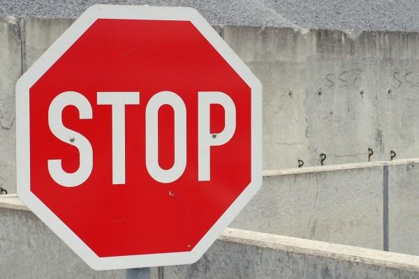stop-705669_1280
