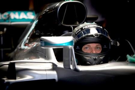 Rosberg on pole after Hamilton's power unit fails