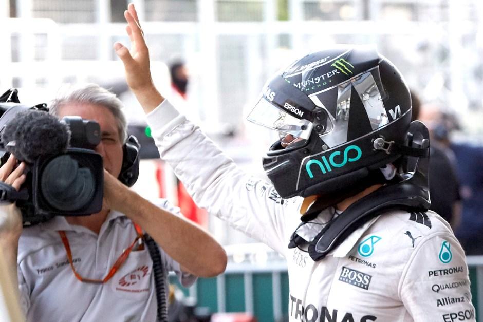 Rosberg wins boring Baku