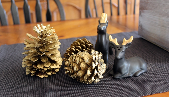 gold-pinecones6