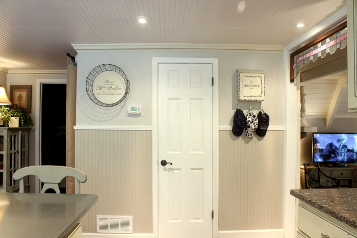 cottage decorating: beadboard