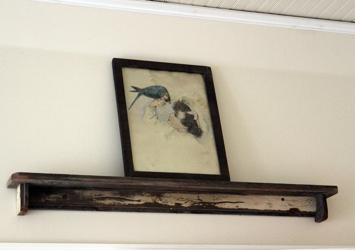 old bird print on chippy shelf