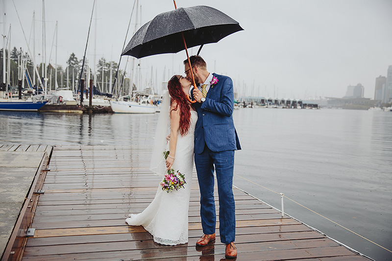katie-eric-vancouver-rowing-club-wedding-booyoum-photography-563