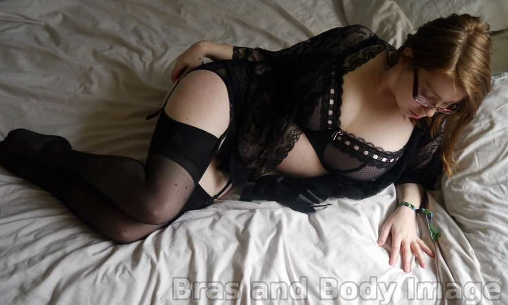 Ewa Michalak Tease Bra and Suspender Brief in Black Blush (32J), with Lovehoney Flaunt Me Robe