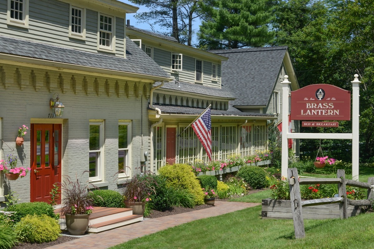 Bed And Breakfast Mansfield Historic Stowe Vermont Bed Breakfast Brass Lantern Inn