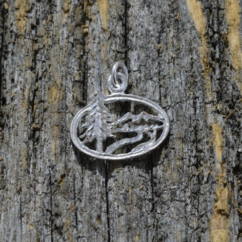 jewelry-pendant-necklace-mountain