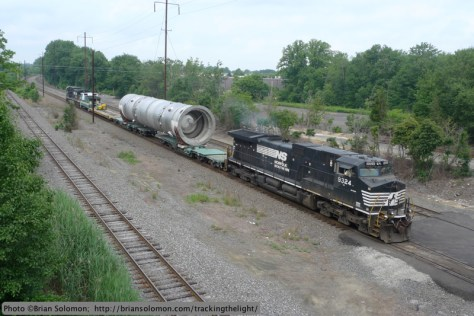 Norfolk Southern X999 near Morrisville, Pennsylvania. Exposed with a Lumix LX3.