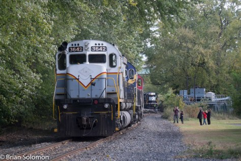 D-L's Alco/MLW diesels represent a local attraction at Portland.