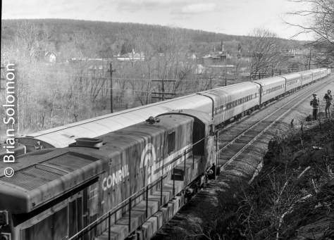 Conrail TV6 passes Amtrak's Montrealer on the double track west of the Palmer diamond. In July 1986, Conrail cut-in CP83 which ended double track operations between Palmer and the new CP92 in Springfield.