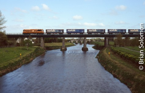 Waterford-Ballina Norfolk Liner crosses the River Barrow at Monasterevin.