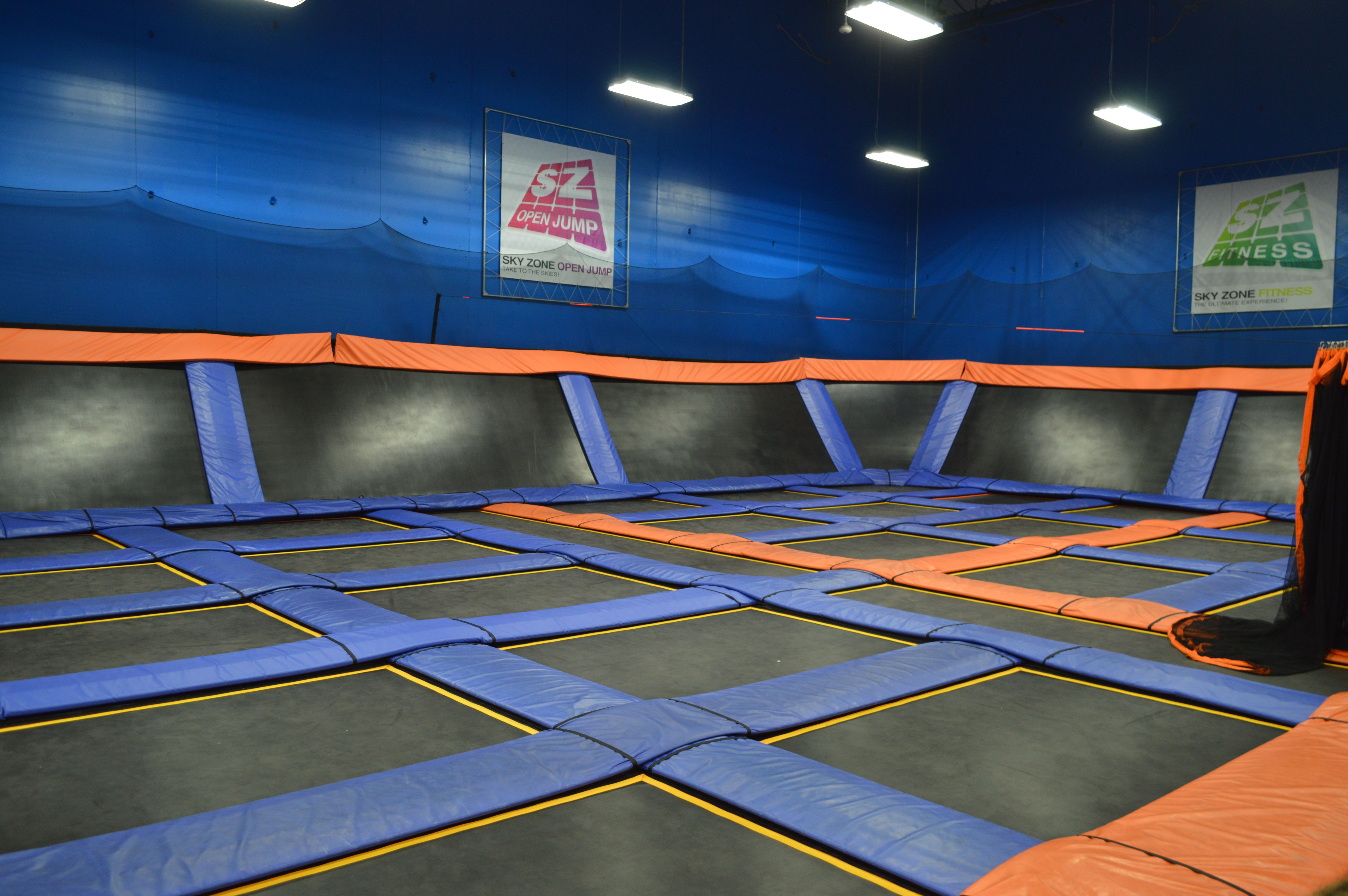 Skyzone Zwembad Shorebeat Spotlight: Skyzone Delivers Fun For All Ages