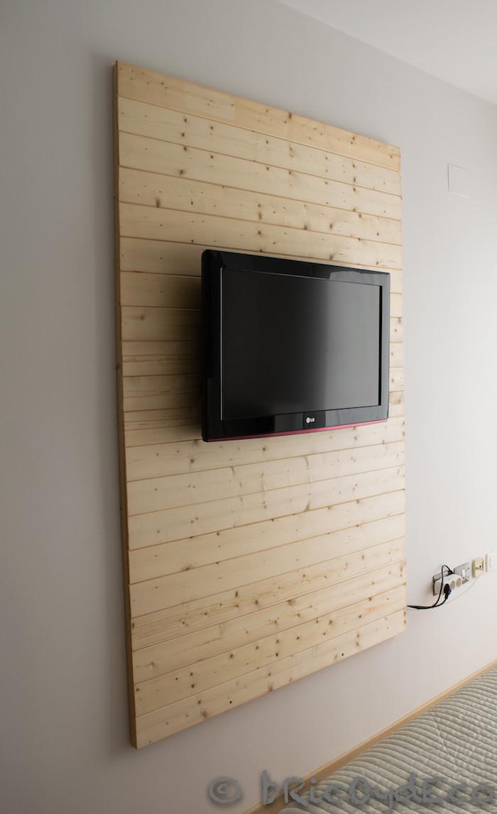 C mo hacer un panel de madera para poner la televisi n for Como reciclar puertas de madera
