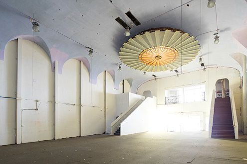 Olympic Theatre retail space in Downtown LA (Photo: Hunter Kerhart)