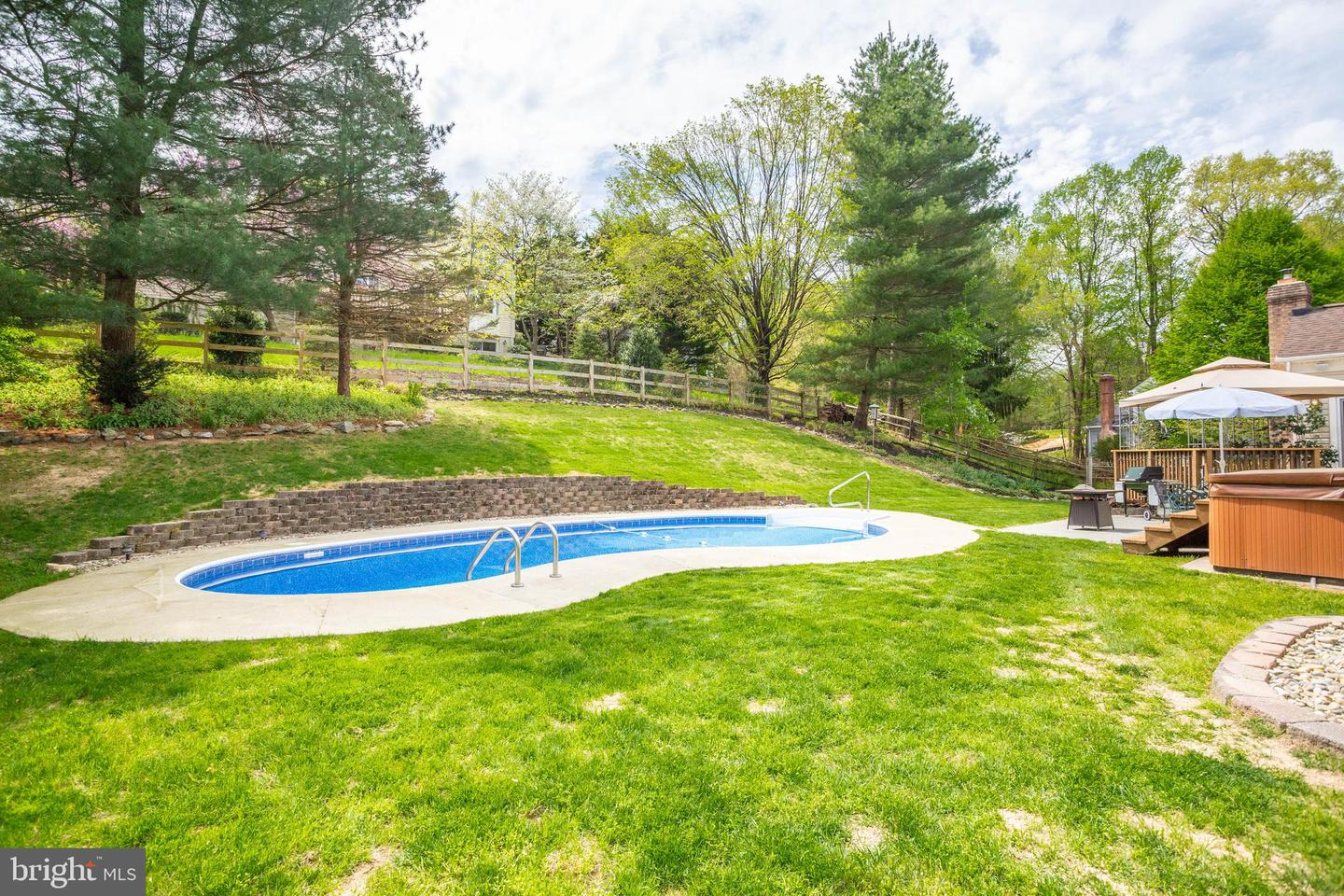 Gfk Pool King 9709 Gudel Drive Ellicott City Md 21042 City Chic Real Estate