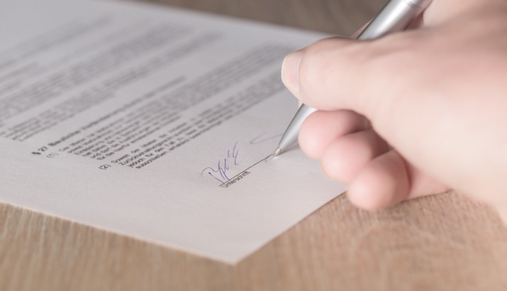 Signing Agreements And Contracts Careful Signing Employment Contract