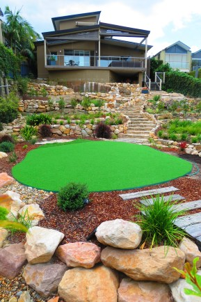 Back Yard with Putting Green!